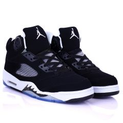 Jord  Black Designed Classic Retro Basketball sneakers With White Sole